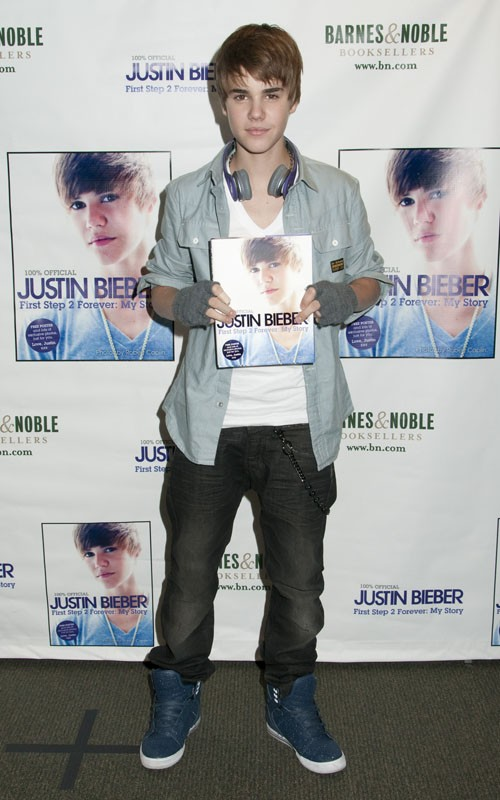 justin bieber pictures new hair. Justin Bieber#39;s new haircut