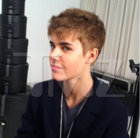 justin bieber 2011 haircut february. Justin Bieber#39;s New Haircut